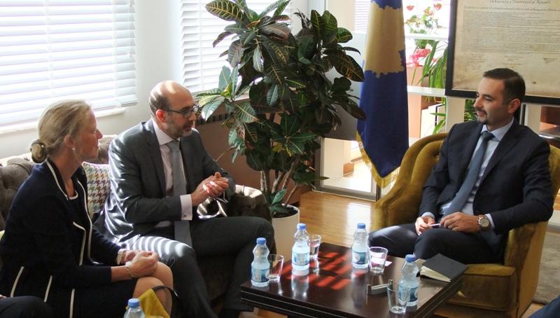 Ministri Lluka njofton FMN-në me prioritetet e MZHE-së