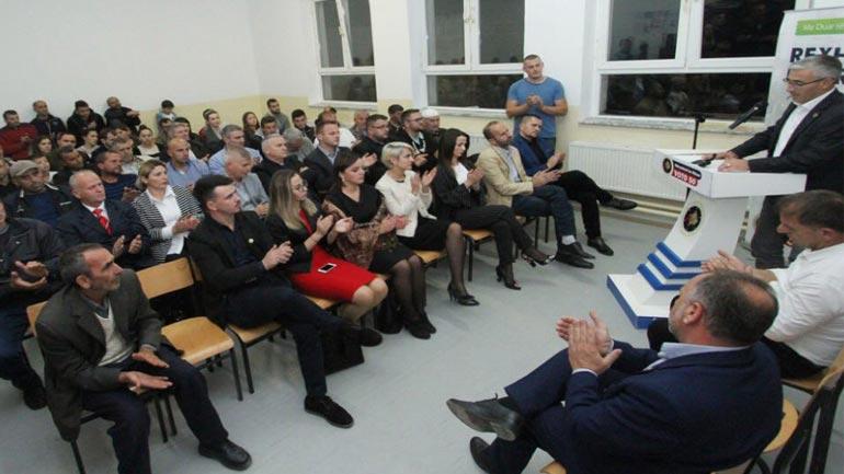 Kadriu: Përderisa të tjerët vijnë nga Prishtina e sorollaten rrugëve, unë dërgoi projekte në kryeministri