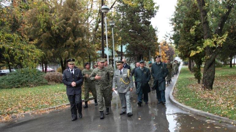 Vizitojnë Batalionin e Parë të Reagimit të Shpejtë të FSK-së në Gjilan