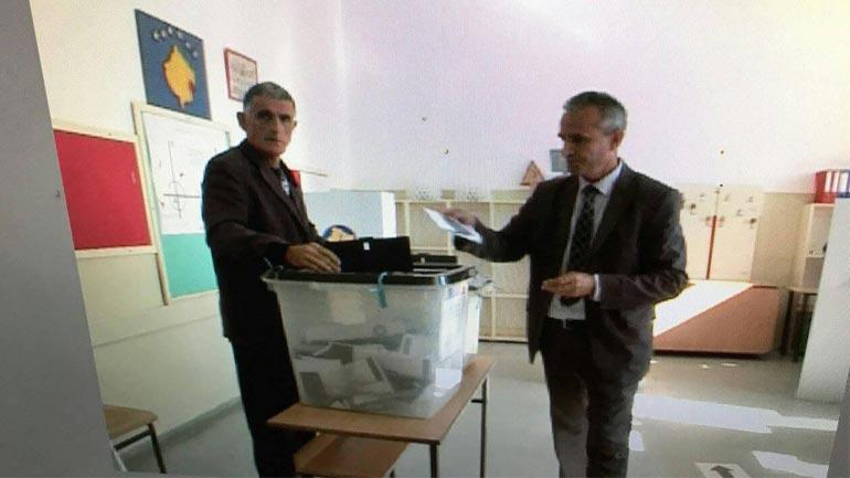 Voton me urimin për zgjedhje të lira dhe demokratike
