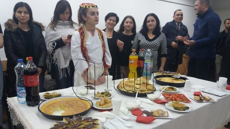 """""""Duart e Vyeshme"""" organizohet për të 18-tën herë me radhë – shërbehen ushqime tradicionale shqiptare"""