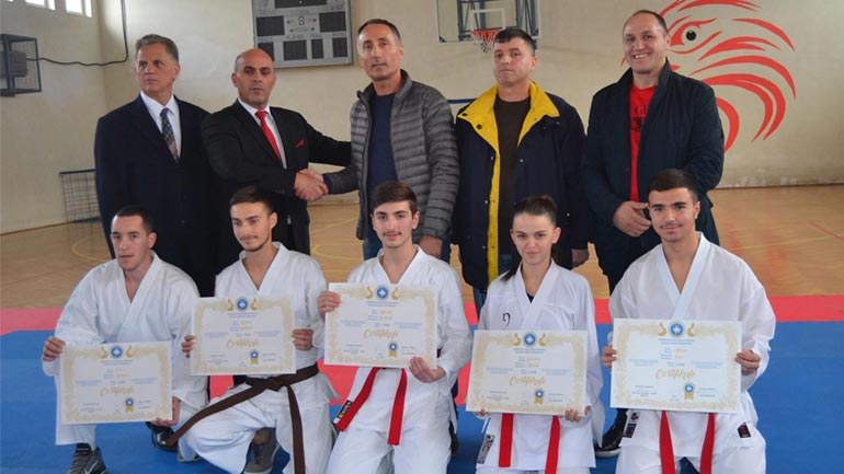 Federatës së Karatesë e Kosovës iu shtuan edhe 5 mjeshtër te karatesë