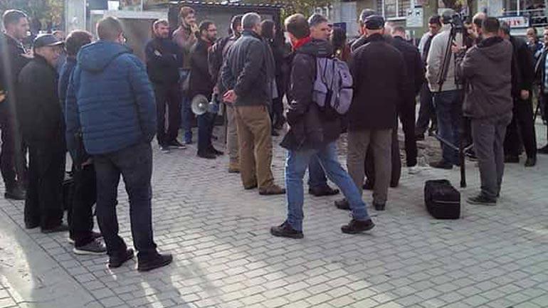 Lutfi Haziri dënon sulmin ndaj gazetarit Taulant Osmani