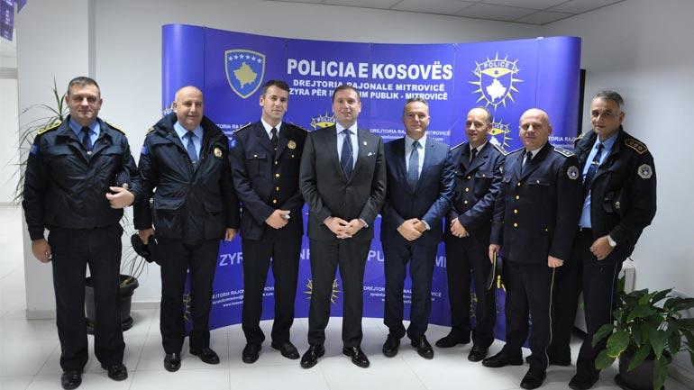 Ministri Sefaj vizitoi Drejtorinë Rajonale të Policisë së Kosovës në Mitrovicë