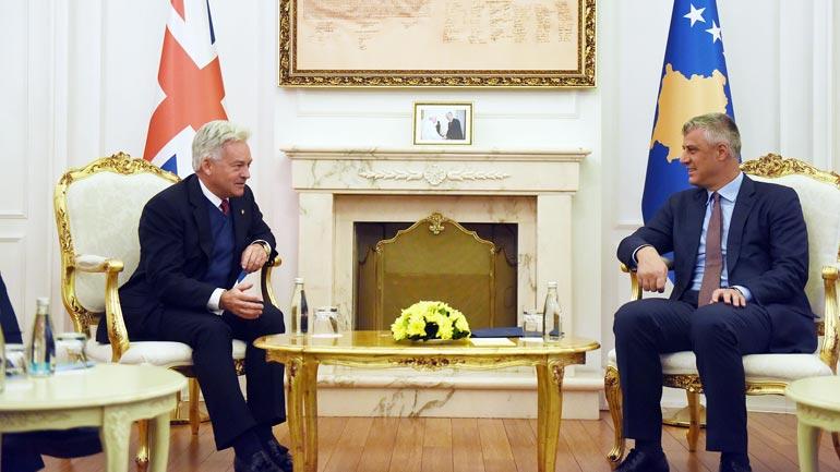Presidenti Thaçi dhe ministri britanik Duncan flasin për Kosovën dhe rajonin