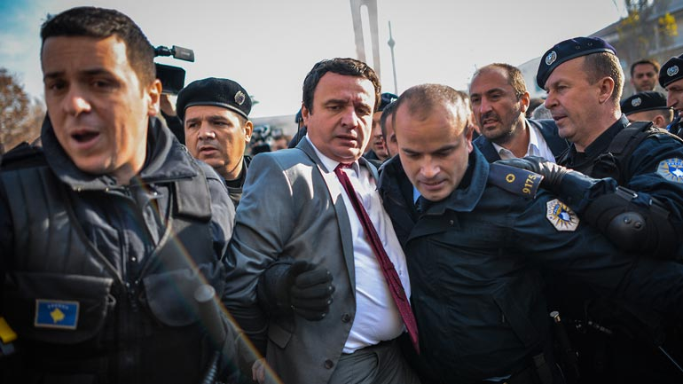 Vetëvendosje: Të lirohen Albin Kurti, Albulena Haxhiu e Donika Kadaj-Bujupi