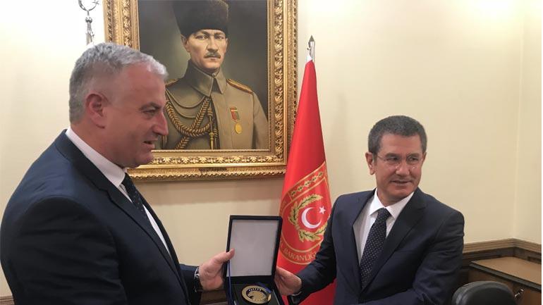 Ministri i FSK-së takohet me ministrin e Mbrojtjes së Republikës së Turqisë