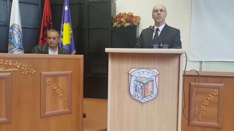 """EVSB ndanë mirënjohje për drejtorin e Shkollës """"Jonuz Zejnullahu"""", Nijazi Lutfiu"""