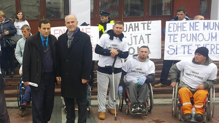 PDK në Gjilan solidarizohet me HANDIKOS-in, në ditën e personave me aftësi të kufizuara