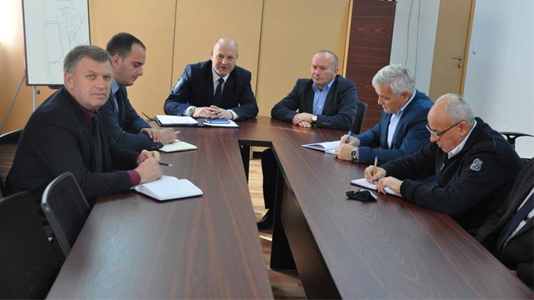 Zëvendësministri Isa Xhemajlaj vizitoi Agjencinë për Menaxhim e Emergjencave