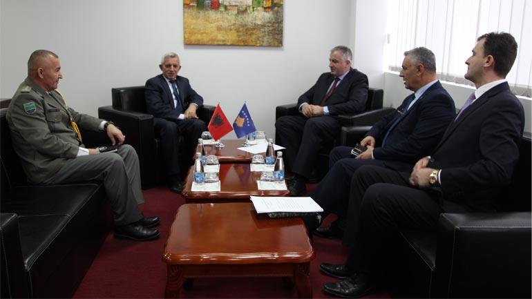 Ministri Rrustem Berisha priti ambasadorin e Shqipërisë Qemajl Minxhozi