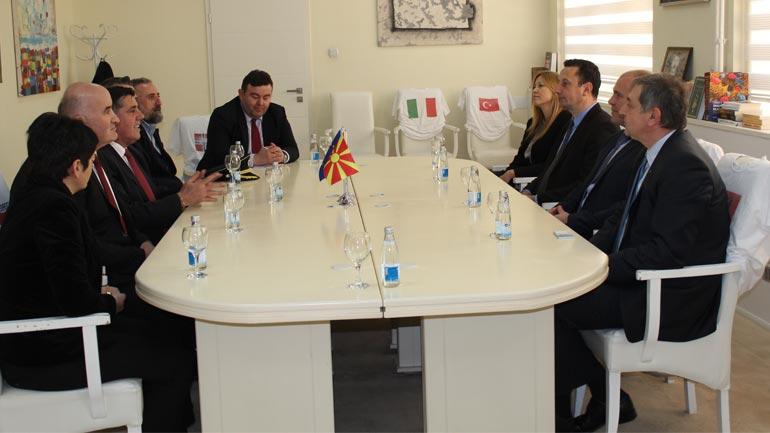 Gjilan: Mbahet takimi i bashkëpunimit ndërkufitar për rindërtimin dhe modernizimin e Tregut të Gjelbërt