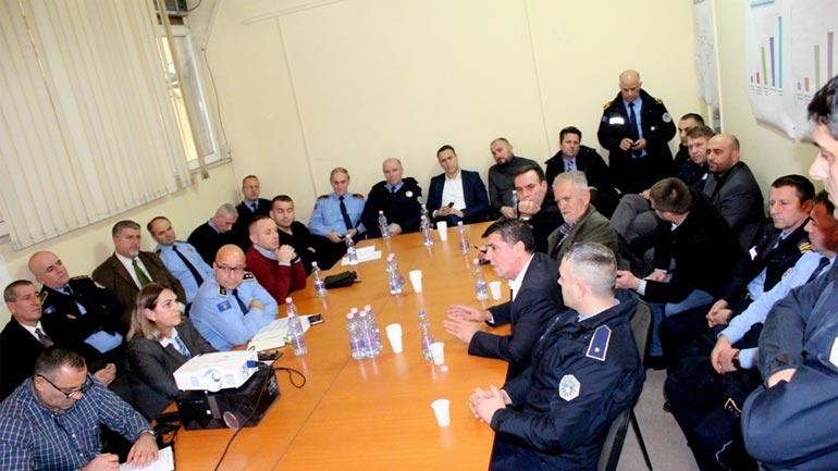 Haziri çmon lartë punën e policisë në Gjilan në ruajtjen e sigurisë së qytetarëve