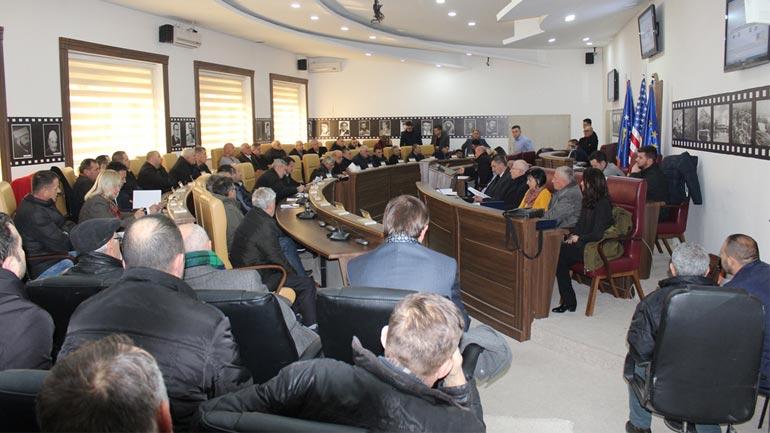 Në Gjilan mbahet dëgjim publik për shpronësim të pronave për ndërtimin e rrugëve katër korsi