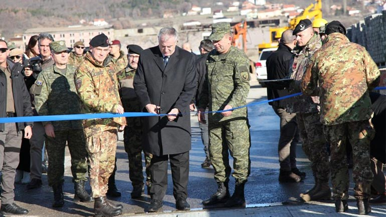 FSK-ja dhe KFOR-i përuruan urën e restauruar mbi lumin Sitnica në Mitrovicë