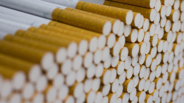 Thyejnë kioskën, vjedhin cigare