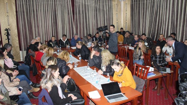 """Në Gjilan mbahet tryezë """"Promovimi dhe fuqizimi i shërbimeve sociale në Komuna"""""""
