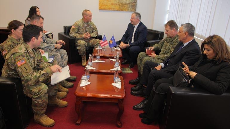 Ministri i FSK-së priti komandantin e Gardës Kombëtare të Ajovës