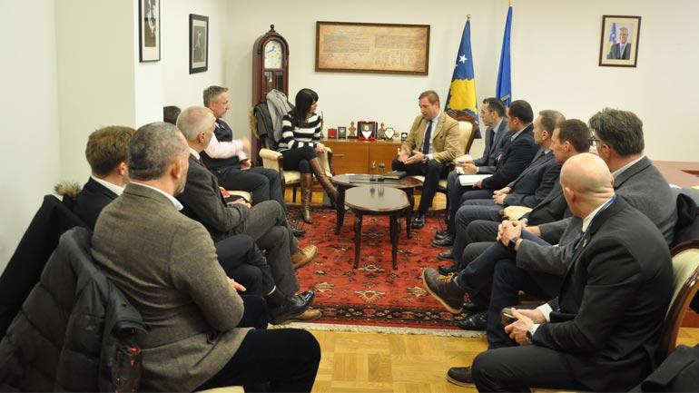 Ministri Sefaj priti në takim një delegacion të lartë të policisë britanike