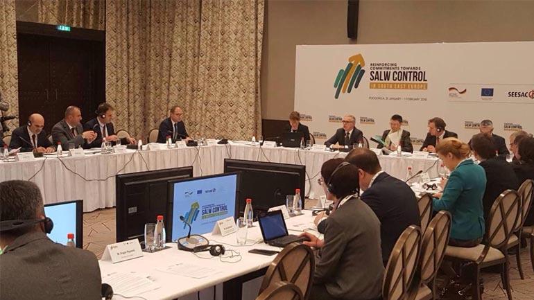 U mbajt takim rajonal për të përforcuar përpjekjet për kontrollin e armëve të vogla