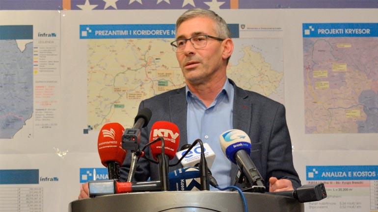 Zëvendësministri në detyrë Rexhep Kadriu dorëzon veturën zyrtare