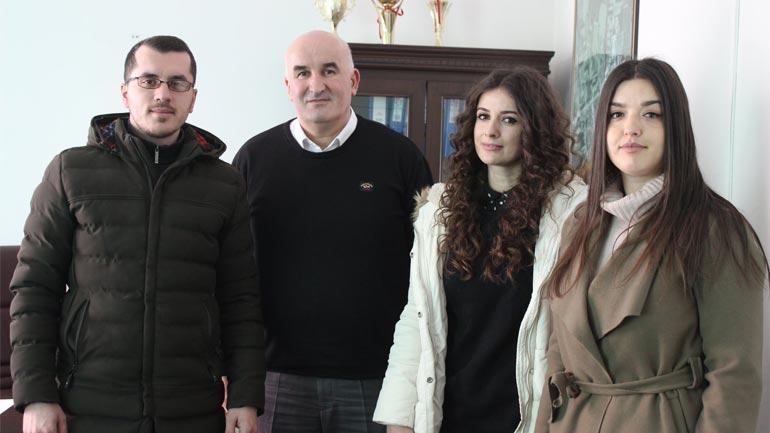 Kreu i Vitisë takon tre shenjëtaret e suksesshëm vitias të cilët përfaqësojnë shtetin e Kosovës