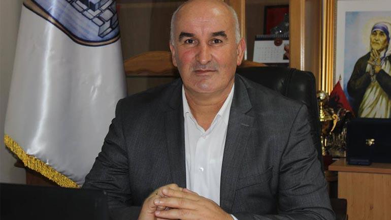 Kryetari Haliti uron nxënësit për fillim tē mbarë të mësimit