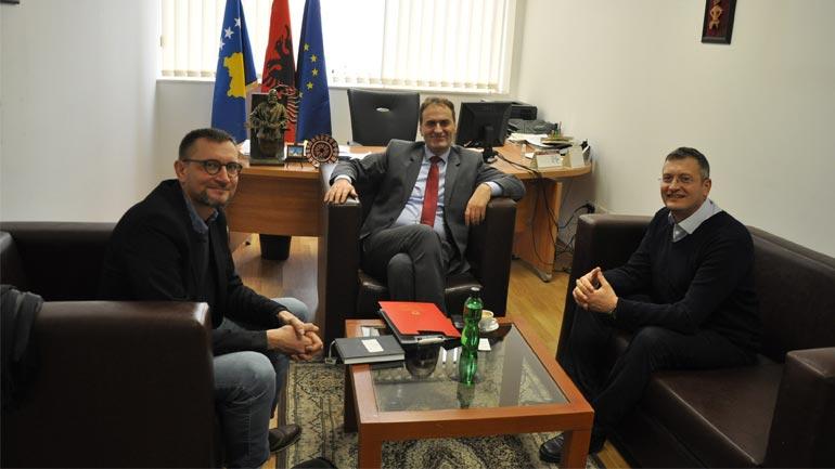 Zëvendësministri Zeka priti në takim drejtorin rajonal të Caritas-it për Ballkanin perëndimor
