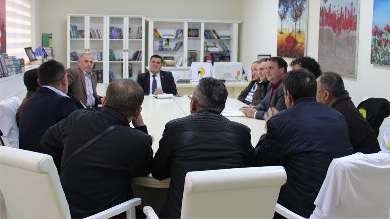 Haziri, takime të rregullta me kryetarët e këshillave të fshatrave për realizimin e projekteve komunitare