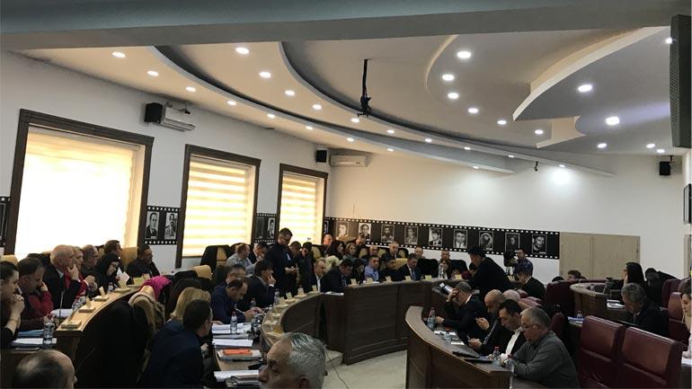 Sot seanca e Kuvendit, në rend dite edhe bursat për studentë