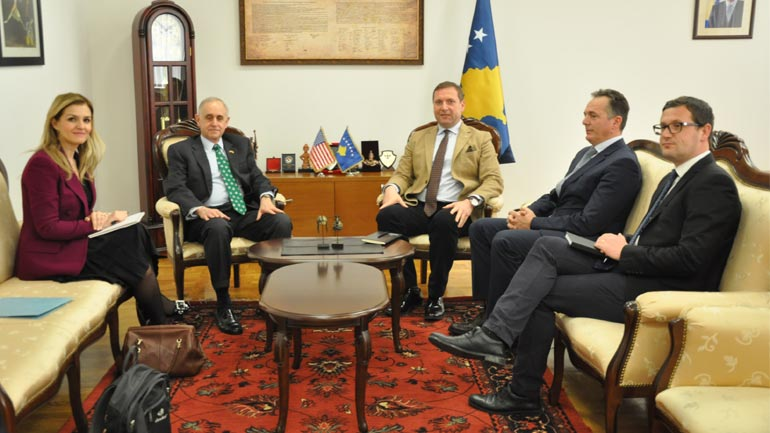 Ministri Sefaj priti në takim drejtorin e Qendrës Evropiane për Studime të Sigurisë