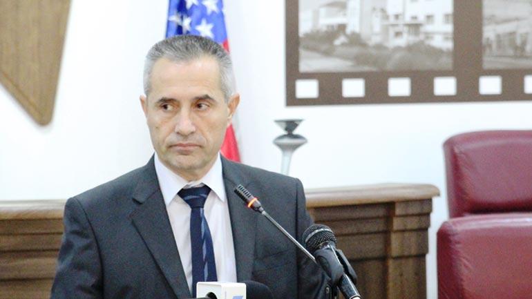 Isufi i Vetëvendosjes flet për raportin njëvjeçar të kryetarit të komunës