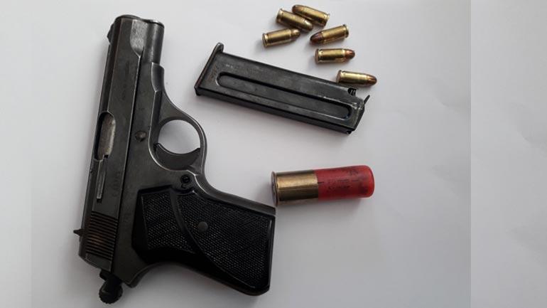 Policia: Tri raste të armëmbajtjes pa leje
