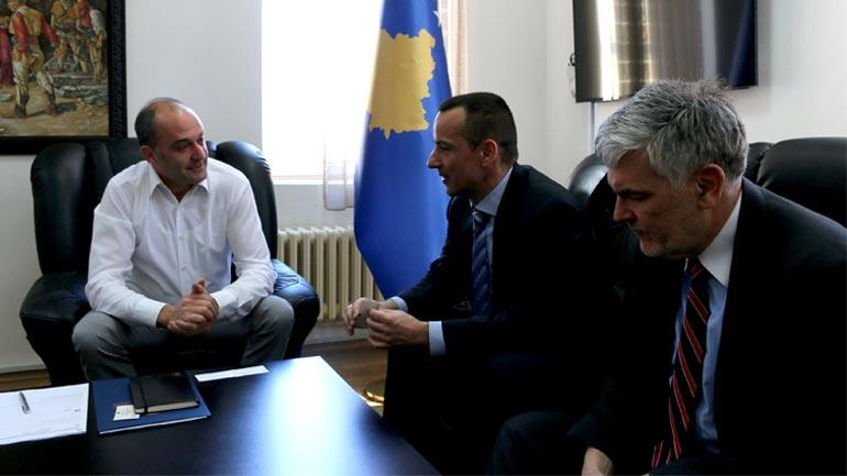 Amerikanët të interesuar për projekte të riciklimit dhe energjisë në Kosovë
