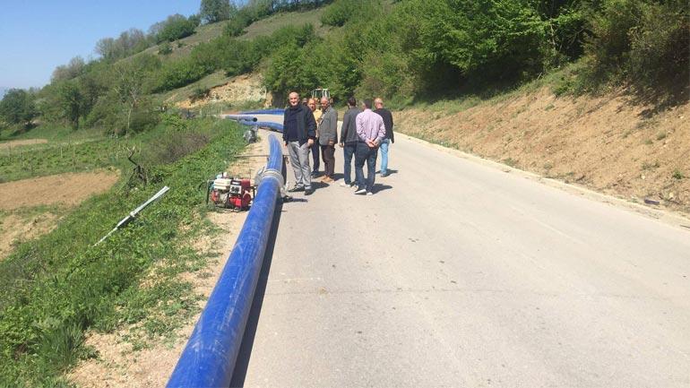 Haliti inspektoi punimet që po zhvillohen në ndërrimin e gypit të ujësjellësit të Letnicës