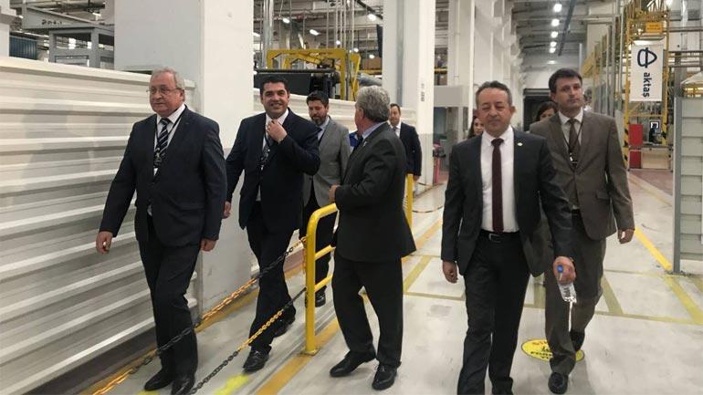 Ministri Hasani merr konfirmimin nga një biznesmen shqiptar në Turqi për investime milionëshe në Kosovë