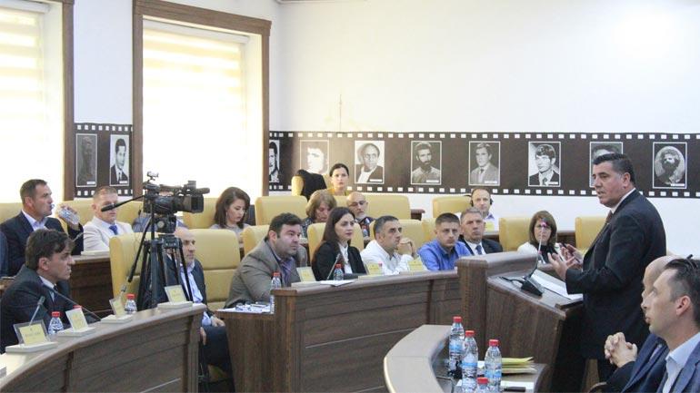 Haziri e njofton Kuvendin Komunal se nesër do ta shpall përbërjen e ekzekutivit