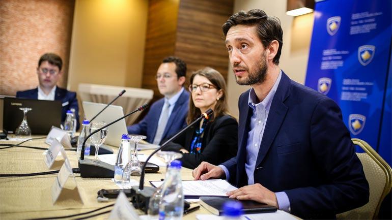 Ismaili: Po u japim fund çmimeve abuzuese me barna