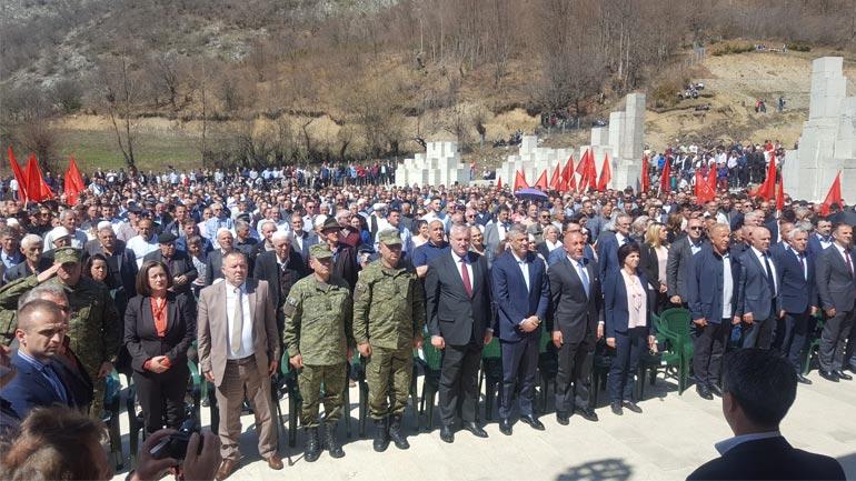 Ministri dhe Komandanti i FSK-së morën pjesë në manifestimin për shënimin e pervjetorit të Betejes së Koshares