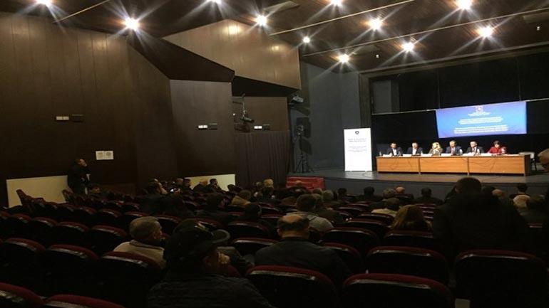 Deputetët e Kuvendit bashkëbiseduan me qytetarë gjilanas