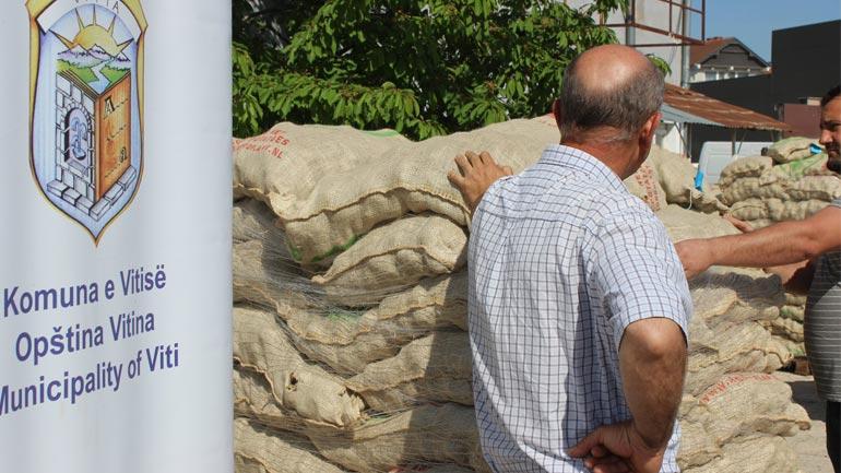Vitia dhe IKC shpërndajnë mbi 13 mijë kilogramë farë të patates për kultivuesit e Debelldehut