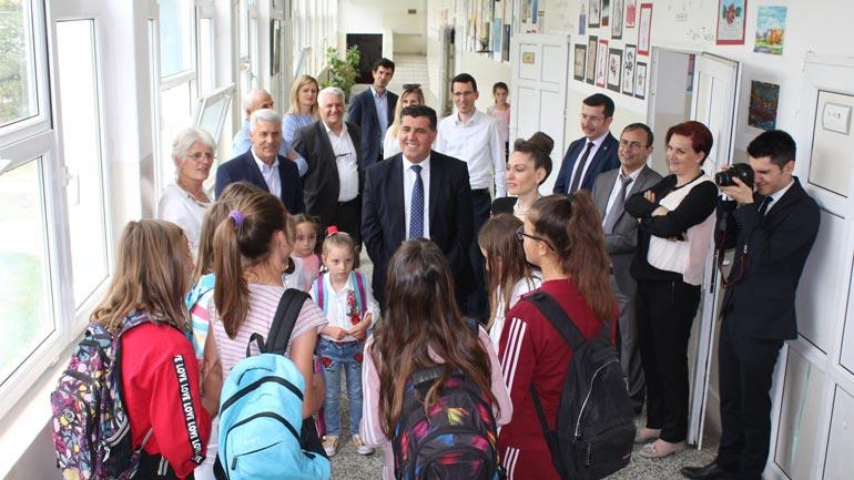 """Haziri e Kiliç krenar me punën dhe suksesin e shkollës """"Nazim Hikmet"""" në Dobërçan"""