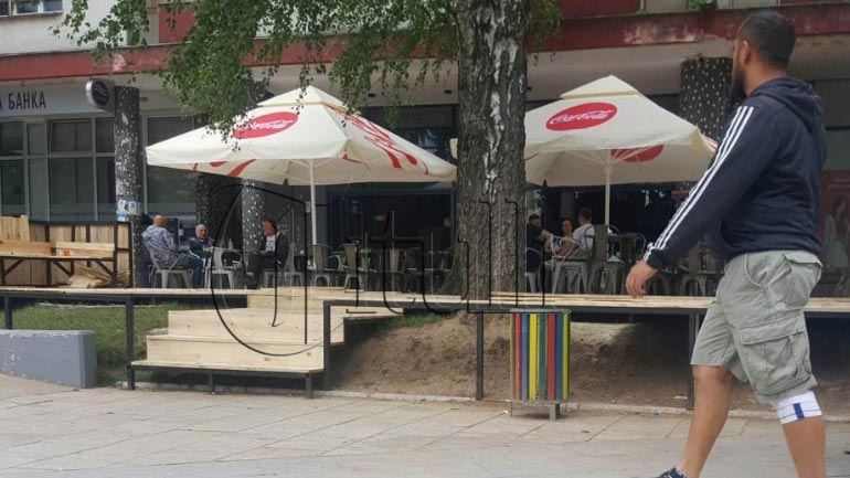 Zaptuesit e hapësirave publike po e sfidojnë qeverisjen lokale në Bujanoc
