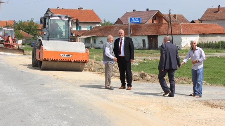 Haliti inspektoi punimet në rrugën që lidhë fshatin Sadovinë të Jerlive me Dardaninë
