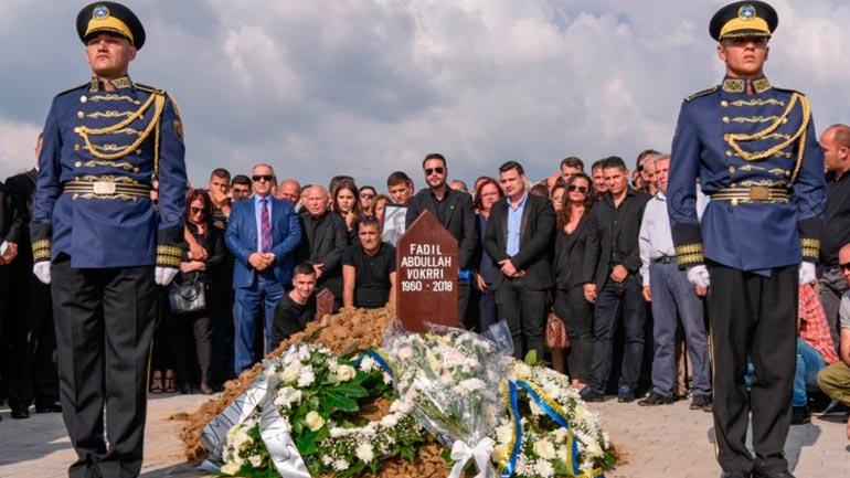 Kosova ia dha lamtumirën e fundit legjendës Fadil Vokrri