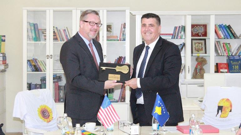 Haziri e Hope shprehen të përkushtuar që Gjilani dhe USAID të jenë partner të vazhdueshëm