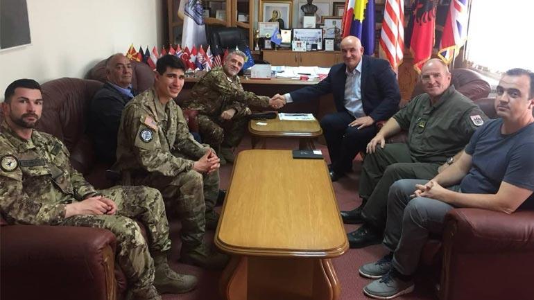 Kryetari i Vitisë Sokol Haliti priti në takim komandanin e KFOR-it kolonel Daniele Bajata