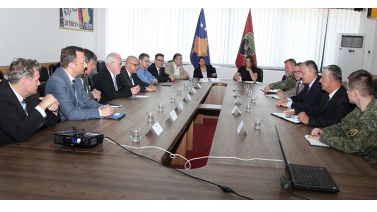 Deputetët gjerman vizituan Ministrinë për Forcën e Sigurisë së Kosovës
