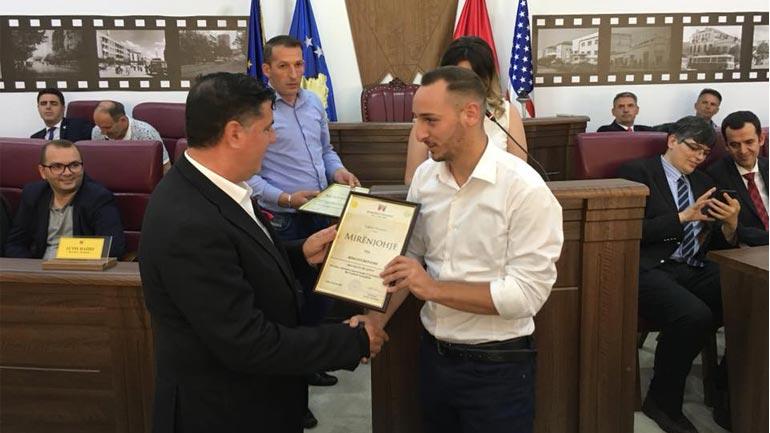 """""""Rinia Studentore Kadri Zeka"""" më e dalluara dhe më aktivja në Komunën e Gjilanit"""