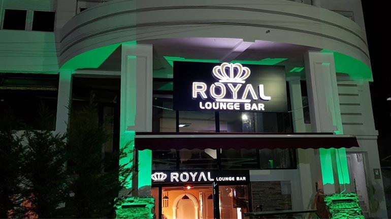 Royal Lounge Bar e rikthen jetën teatrale në Gjilan!